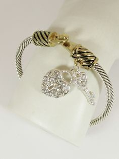 FG413 - Vintage Rhinestone Cable Bangle - Heart & Key Charm
