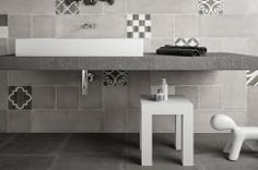 Tiles design for bathroom walls