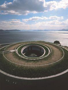 Tadao Ando à Naoshima , Benesse House Oval