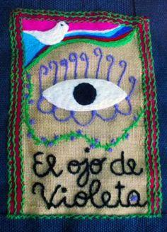 Resultado de imagen para arpilleras de violeta parra Color Violeta, Monteverde, National Holidays, Textiles, Chile, Coin Purse, Artsy, Collage, Latina
