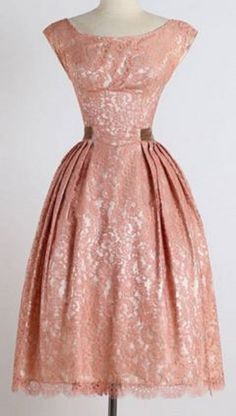 Vintage Style Scoop Neck Sleeveless Lace Pink Ball Gown Party Dress