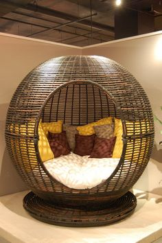 Cozy little pod for napping and reading. By Sky Line Design. Wish i had this.