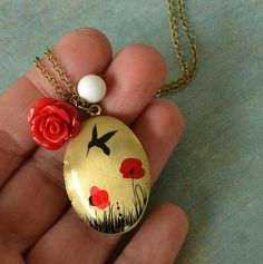 Poppy  medaillon locket necklace in brass with par fleurfatale, €25,00