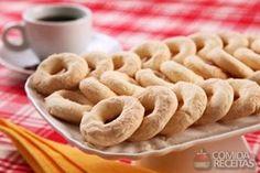Receita de Biscoitinho de coco especial em receitas de biscoitos e bolachas, veja essa e outras receitas aqui!