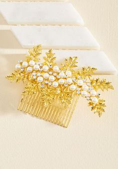 Hoot and Holly Hair Comb. Even before you cross the street to meet your pals, the compliments on your golden hair comb begin! Trendy Accessories, Wedding Accessories, Hair Accessories, 1950s Jewelry, Golden Hair, Hair Quotes, Kids Patterns, Hat Hairstyles, Fashion Quotes
