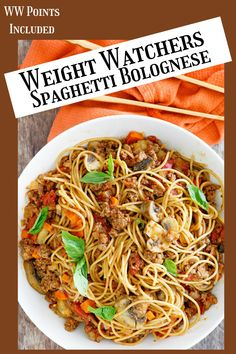 Weight Watches Spaghetti Bolognese recipe from RecipeGirl.com #ww #spaghetti #recipegirl #recipe Fun Easy Recipes, Vegetarian Recipes Easy, Ww Recipes, Crockpot Recipes, Easy Meals, Delicious Recipes, Pasta Recipes, Healthy Recipes, Spaghetti Bolognese