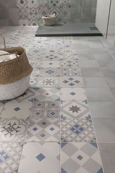 these attractive latest bathroom wall, floor tiles design ideas which have managed to win hearts despite being small. Bathroom Renos, Bathroom Flooring, Small Bathroom, Bathrooms, Bathroom Wall, Bathroom Inspiration, Interior Inspiration, Ideas Baños, Tile Ideas
