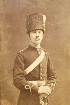 L'ancienne cour - Louis Napoleon Bonaparte Prince Imperial of France British Uniforms, French Royalty, Grand Duke, Second Empire, French Empire, My Princess, Old Pictures, Vintage Men, Vintage Photos