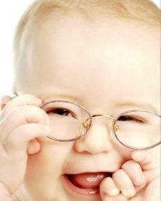 Bebês que nasceram com catarata congênita devem ser estimulados no pós operatório. Saiba mais aqui! #catarata #oftalmologia #bebês #olhos #clínicas