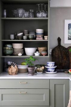 Home Interior, Kitchen Interior, Rustic Kitchen, Kitchen Dining, Kitchen Countertops, Interior Inspiration, Home Kitchens, Credenza, Sweet Home