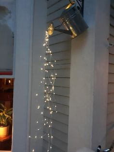 Make these planters to hang string lights in your backyard Small Balcony Decor, Small Patio, Condo Balcony, Small Balcony Design, Outdoor Balcony, Small Garden Design, Small Garden Plans, Outdoor Bars, Outdoor Pergola