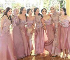 Bridesmaid inspiration by Kebaya Lace, Kebaya Dress, Dress Pesta, Dress Brukat, Batik Dress, Dress Outfits, Pretty Dresses, Sexy Dresses, Beautiful Dresses
