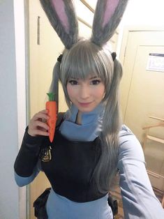 Judy cosplay from Zootopia by Enji Night