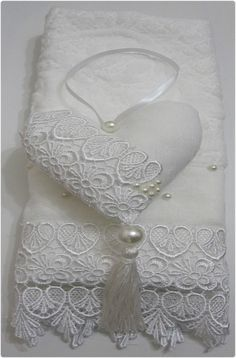 Decorative Hand Towels (Set of Sewing Crafts, Sewing Projects, Decorative Hand Towels, Fabric Hearts, Towel Crafts, Lavender Bags, Ring Pillow Wedding, Heart Crafts, Linens And Lace