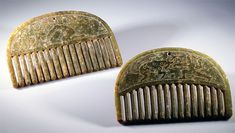 Two magnificent ancient Chinese jade combs from the Southern Dynasty period (420-589). My guess: The carvings on these combs represent the life of Chinese Buddhist mythological character Yi in love and in war.