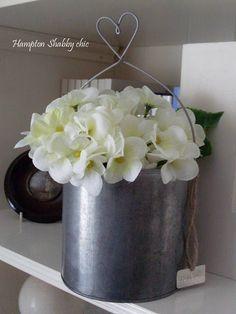 Bouquet violetas blancas