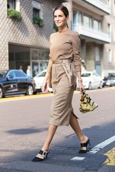 Urban Street Style, Street Style Summer, Casual Street Style, Street Style Women, Casual Chic, Monochrome Outfit, Neutral Outfit, Chic Outfits, Fashion Outfits