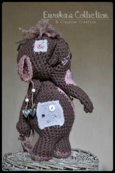 Voici un récapitulatif de mes divers éléphants réalisés au crochet ... Ils ont chacun leur petit quelque chose... Je ne reproduis...