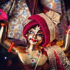 Gaurangaaaa! #spiritual #deity #carved #beauty#mercy #colour #painting #hare #krishna