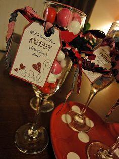 Valentine Craft For Friends. Valentines Days Ideas #Valentines, #pinsland, https://apps.facebook.com/yangutu