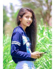 "S H I T A L P A T I L on Instagram: ""___________________________ #chdy#maharashtramaza#marathiwriter#marathisuvichar#marathikavita#maharashtradesha#marathiactress#marathim…"" Gem S, Fashion Jewelry, Dreadlocks, Hair Styles, Beauty, Beautiful, Modelling Photography, Instagram, Stone Jewelry"