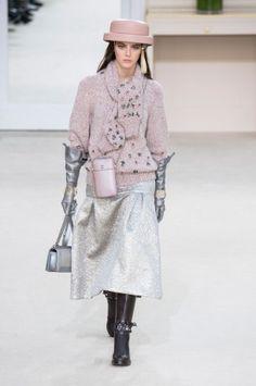 Défilé Chanel Pret a porter Automne hiver 2016 17 Chanel