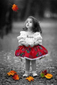 New children photography cute portraits Ideas Cute Kids Pics, Cute Baby Pictures, Cute Images, Girl Pictures, Cute Kids Photography, Splash Photography, Color Photography, Photography Poses, Baby Kind