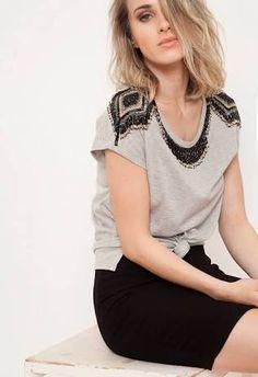 Resultado de imagen para blusa cinza mescla customizada
