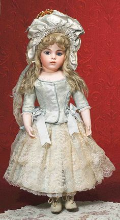Bru bebe French antique doll