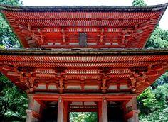山懐の朱き・・、光明寺二王門 -  枯雑草の巡礼日記