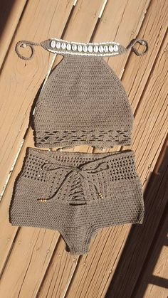 Marvelous Crochet A Shell Stitch Purse Bag Ideas. Wonderful Crochet A Shell Stitch Purse Bag Ideas. Crochet Halter Tops, Crochet Shorts, Crochet Crop Top, Cotton Crochet, Knit Or Crochet, Crochet Clothes, Crochet Bikini, Bikini Modells, Hippie Bohemian