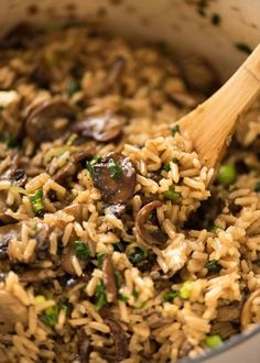 Not just another Mushroom Rice, this one is extra tasty thanks to two little tips that make all the difference! One pot, easy, a meal or fabulous side. Your new favourite mushroom recipe! Mushroom Rice Kyra ♡ zuli comida Not just another Mushroom R Best Rice Recipe, Easy Rice Recipes, Vegan Recipes, Cooking Recipes, Healthy Mushroom Recipes, Cooking Ideas, Wild Rice Recipes, Rice Pilaf Recipe, Cooking Games