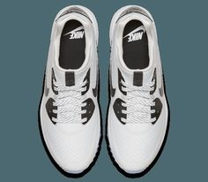 cc245772663cc9 The Air Max golf shoe combines the iconic silhouette of the Nike Air Max 90  with the latest Nike golf footwear performance features.