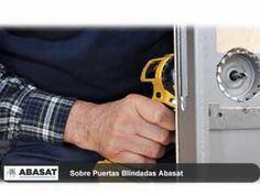 Cerrajeros Barcelona, somos una empresa dedicada a los sistemas de seguridad en Barcelona y su área metropolitana,  prestando servicios de cerrajeros Barcelona desde 1975