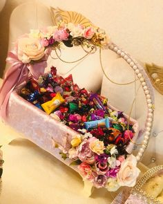 Bridal Gift Wrapping Ideas, Wedding Gift Boxes, Creative Gift Wrapping, Wedding Gift Hampers, Diwali Decoration Items, Thali Decoration Ideas, Engagement Decorations, Diy Wedding Decorations, Diy Crafts And Hobbies