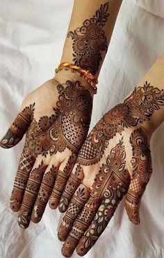 Mehndi henna designs are searchable by Pakistani women and girls. Women, girls and also kids apply henna on their hands, feet and also on neck to look more gorgeous and traditional. Henna Art Designs, Mehndi Designs 2018, Mehndi Designs For Girls, Modern Mehndi Designs, Dulhan Mehndi Designs, Mehndi Design Pictures, Wedding Mehndi Designs, Beautiful Henna Designs, Mehendi