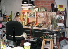SO full of color I want a studio like that Bead Studio, Tiny Studio, My Art Studio, Studio Setup, Studio Design, Studio Ideas, Home Made Simple, Workshop Studio, Art Spaces