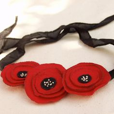 Felt poppy necklace