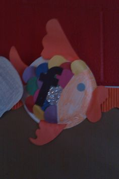paper plate - letter f - FISH (2)