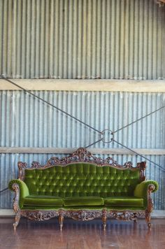 green lounge - lily and bramwell Green Lounge, Green Sofa, Shabby Vintage, Vintage Decor, Eclectic Style, Outdoor Furniture, Outdoor Decor, Chanel Boy Bag, Sweet Home