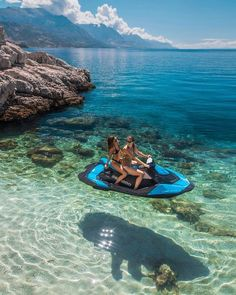 Good vibes only ? tag ur BFF that u would want to ride into outer space w on a floating jet ski ? this is in Croatia btw. Cute Friend Pictures, Best Friend Pictures, Foto Glamour, Shotting Photo, Summer Goals, Destination Voyage, Photos Voyages, Summer Dream, Summer Beach