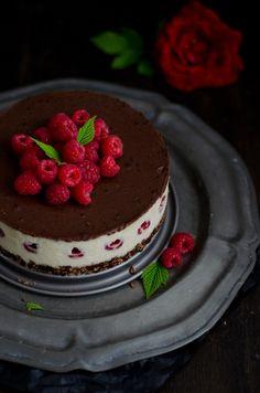 Coco e Baunilha: Cheesecake vegan de chocolate branco e framboesa