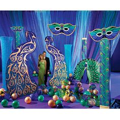 Our Peacock Masquerade Ball Kit has all you need to give your Mardi Gras party a colorful and fun look.