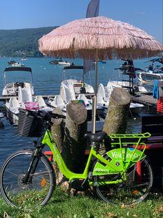 Trouver facilement un velo electrique à Annecy grace aux velos mis a disposition par l'agglomeration Annecy Grace, Vehicles, Electric Bicycle, Lake Annecy, Electric, Car, Vehicle, Tools