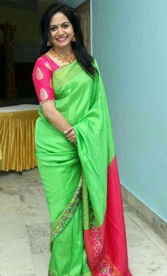 Simple Blouse Designs, Blouse Back Neck Designs, Saree Blouse Designs, New Indian Actress, Sneha Saree, Green Saree, Elegant Saree, Pure Silk Sarees, Indian Beauty Saree