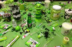 GREEN/BLACK/SILVER CANDY TABLE!!
