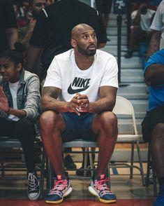 Kobe Bryant - 4 Stars & Up / New / English: Kindle Store Kobe Bryant 8, Bryant Lakers, Kobe Bryant Family, Kobe Lebron, Lakers Kobe, Lebron James, Lakers Team, Kobe Basketball, Basketball Stuff