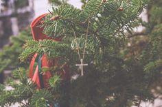 Χριστουγεννιάτικη βάπτιση στην Πεντέλη baptism βαπτιση εκλησσια πεντελη μονη φωτογραφος βαπτισης βωτογραφιες βαπτισης ιδεεσ βαπτισης ιδεες βαπτισης στα βορεια προαστια μπομπονιερες, Χριστουγεννιάτικη βάπτιση στην Πεντέλη σε κοκκινο και πράσινο