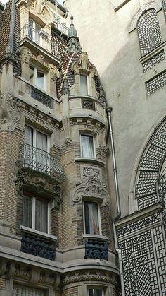 Art Nouveau, Quartier du Gros-Caillou (le 28e quartier administratif de Paris situé dans le 7e arrondissement).- Paris, France