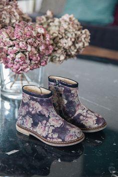 Pom d'Api shoes_ http://aurelie-lecuyer.com/files/gimgs/th-41_9.jpg